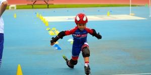 Holiday domina en el Campeonato Infantil de Patinaje